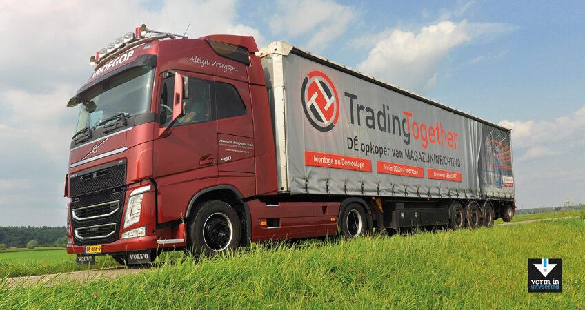 trailer traging together